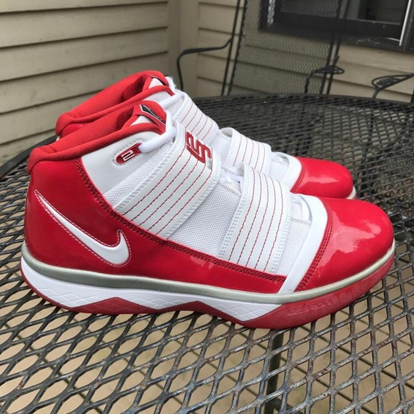meet 0434c 9a717 Nike LeBron Zoom Soldier 3 Red