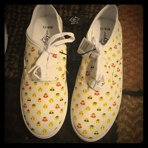 Shoes - New emoji sneakers