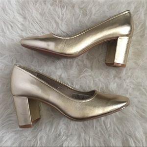 Gold chunky heel. Metallic Gold chunky heel shoes