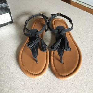 Shoes - NWT Cute boho sandals