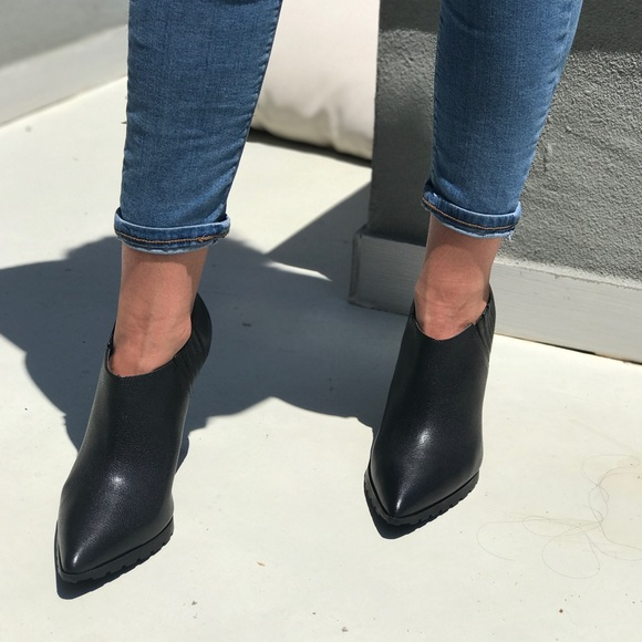 60771fe4f36 Pointy Toe Black Leather Booties NWT
