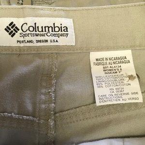 Columbia KHAKI ladies Poly cotton Blend shorts 8