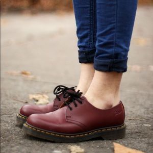 DOC DR MARTENS burgundy low leather shoes boots