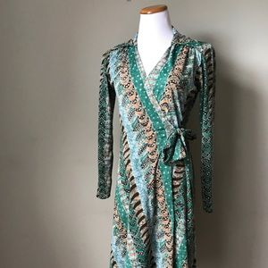 Dresses - 1970s Green Printed Wrap Dress