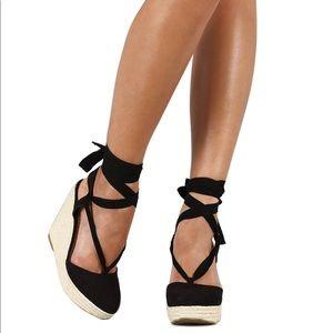 ❗️mark down❗️Black ankle strap wedge