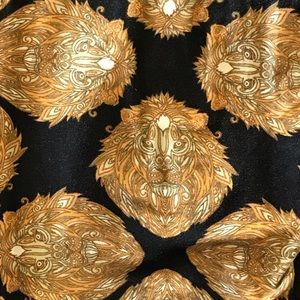 Lularoe OS black and gold lion leggings *unicorn*