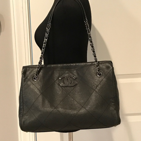CHANEL Bags   More Authentic Handbag Photos   Poshmark fb2edae157