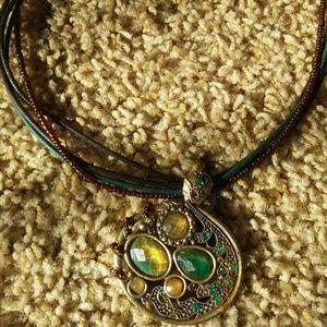 Jewelry - Retro boho gold and blue necklace