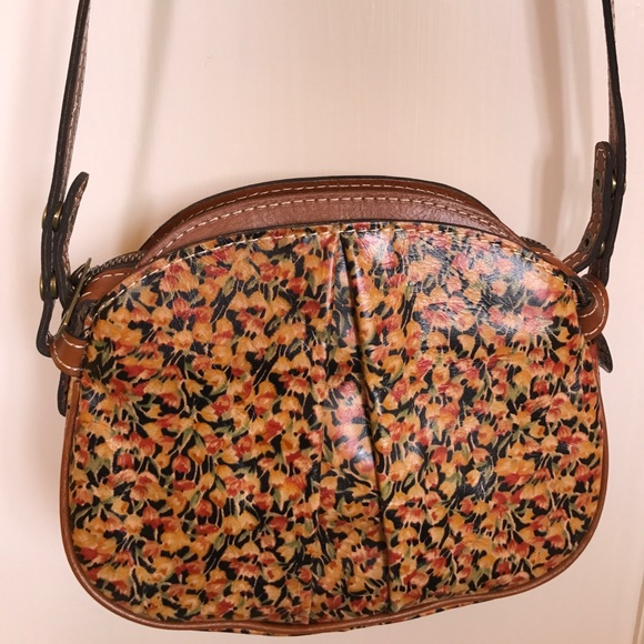 0c5757684 PATRICIA NASH Chania Rare Mini Bloom Crossbody. M_597132399c6fcf2a01062dd0