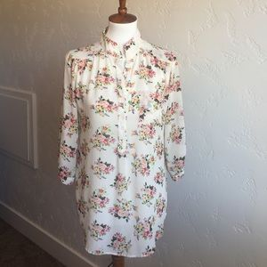 Cals floral blouse from Modcloth size Medium