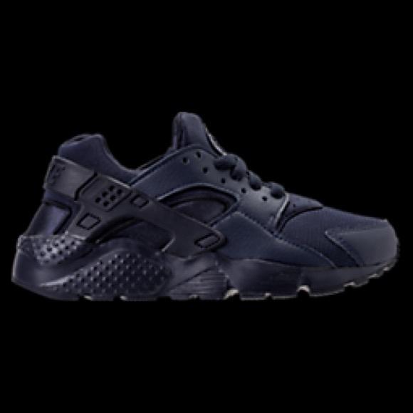 14f2e8ef6ab91 Boys  Grade School Nike Huarache Run Running Shoes.  M 5971388b522b454635064ed1