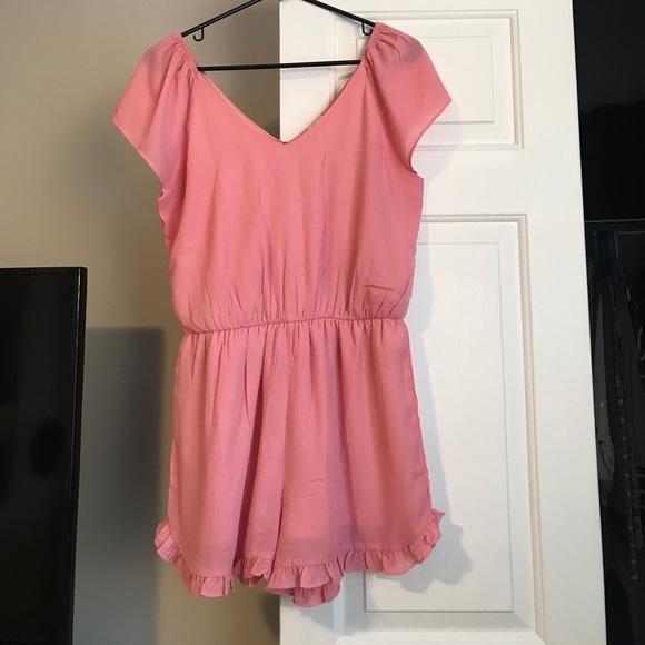 72d713ef8b57 Pink Short Sleeve Romper Ruffle Hem Worn 1x. M 59713c9f4127d057c70689c5