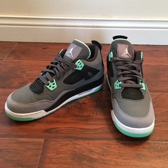 competitive price 5f330 50c6d Nike air Jordan green glow 4s 7Y / W 8.5