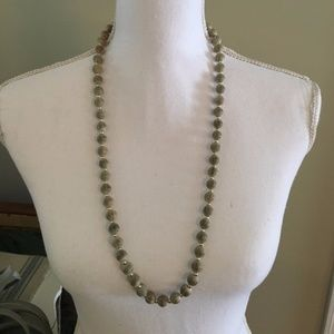 Jewelry - Light Green Thread and Bead Necklace