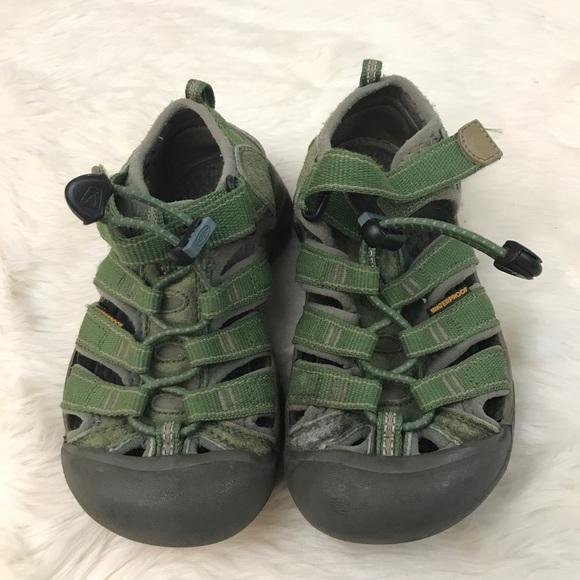 e91ae446c483 Boy Toddler 12 Waterproof Green Keen Sandals