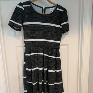 EUC LuLaRoe S Amelia Dress