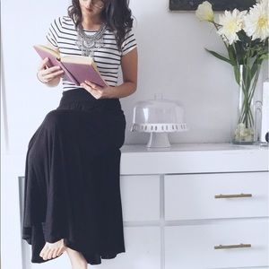 Dresses & Skirts - Jet black jersey skirt