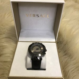 Versace Men's V-Race GMT Round Leather Strap Watch