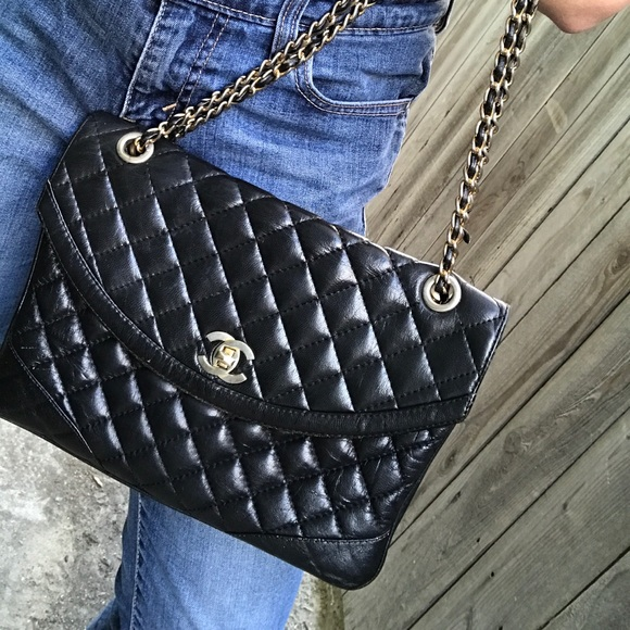 CHANEL Handbags - Authentic Vintage Chanel 2.55 Single Flap Bag fce2a3bc349a0