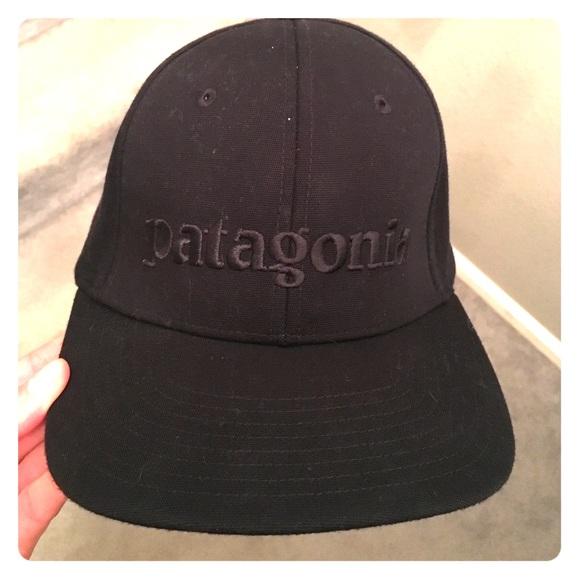 6b3ccb2a30b9b Patagonia black hat flat top. M_59717a3ebcd4a7ec8b008245