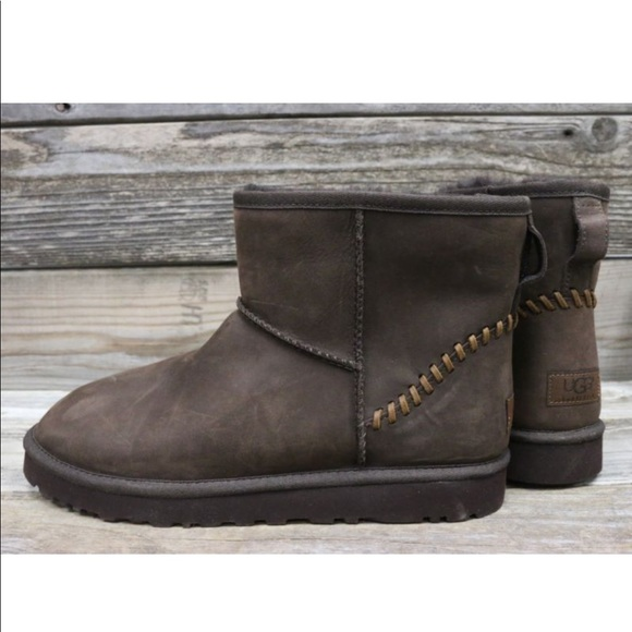 c95d61a44cc UGG Mens Classic Mini Deco Brown Leather Boots 9 NWT