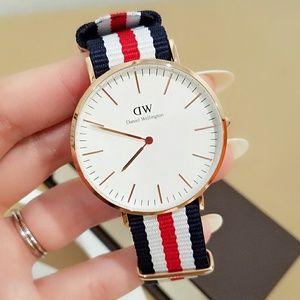 DANIEL WELLINGTON CANTERBURY 40mm classic watch
