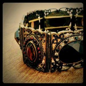 Jewelry - Victorian ornate gold black braclet