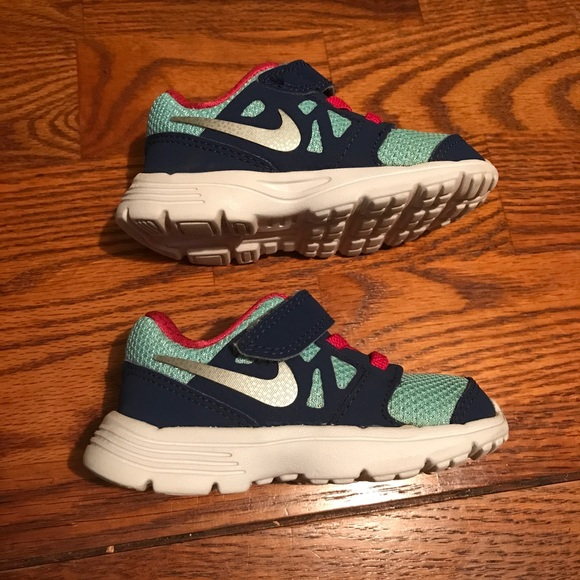 Nike Nike sneakers Toddler Size 5C Great condition