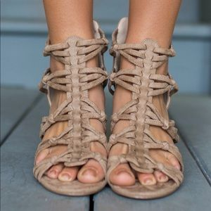 ✂️ 1 Hour Sale Braided Taupe Suede Low Wedge
