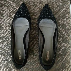 Gently Used Guess Flats with Studs