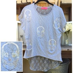 SKULL Sequined Lace Back Hi-Lo T-Shirt