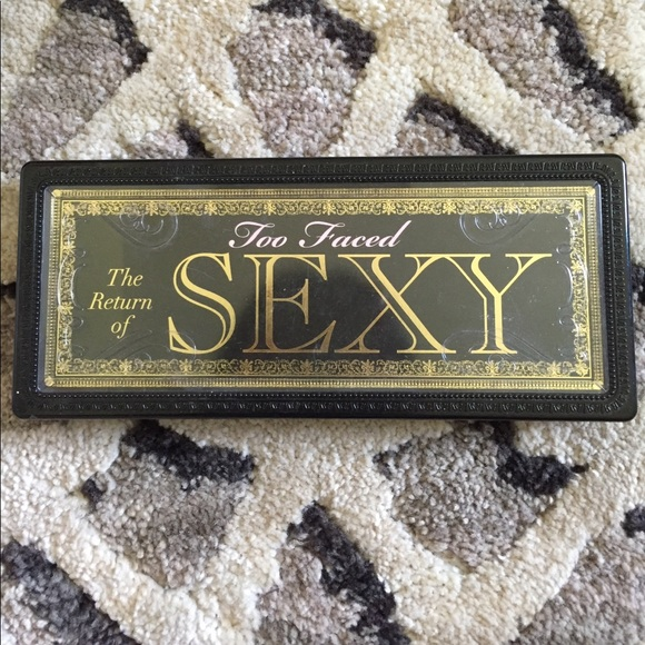 Too faced the return of sexy palette
