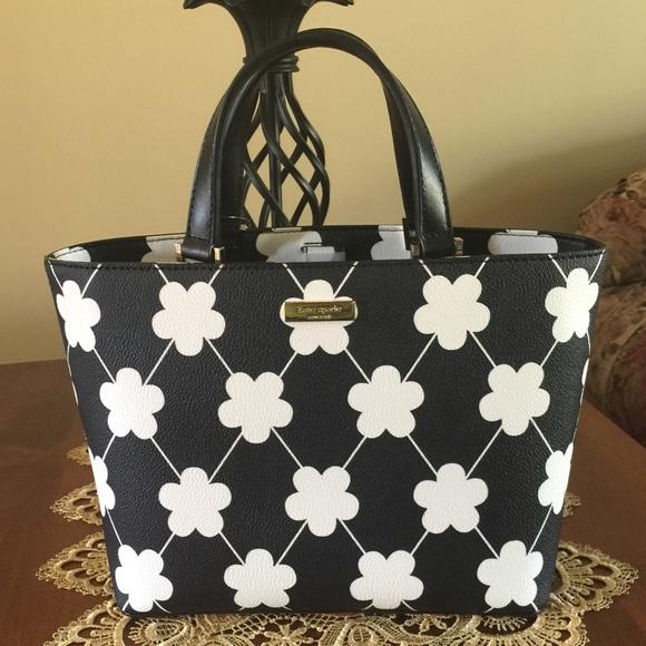 kate spade Handbags - 🌺Beautiful kate spade Juno Black/Festive Floral🌺