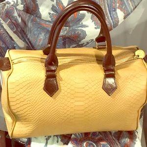 Gigi New York Shoulder Handbag