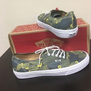 546a2ea6852bb6 Vans Shoes - Vans Tropic Havana Hawaiian men s 13