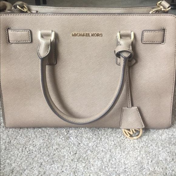 Michael Kors Handbags - Michael Kors purse! 👜😍