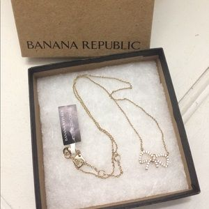 BRAND NEW ✨ Bow Necklace - Banana Republic