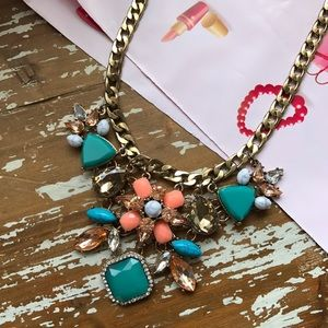 Jewelry - Just In🌷Gold Bold Statement Necklace 🌷