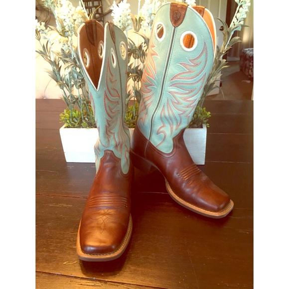 62b2e82308e Women's Ariat Square Toe Cowboy Boots size 7