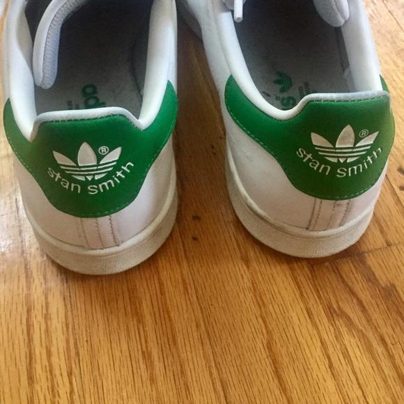 Le adidas classico stan smith scarpe femminili poshmark sz - 8