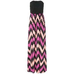 Dresses & Skirts - Stylish Strapless Zig Zag Maxi Dress