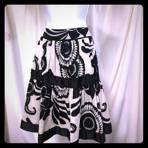 Zara cream/black full skirt. Size 6