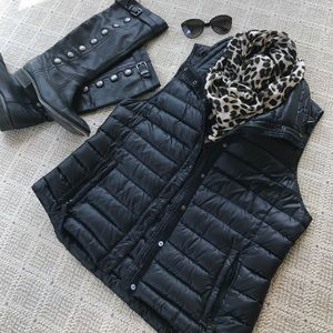 Black Gap Puffer Vest