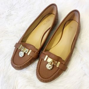 New Michael Kors Camel Quilted Loafers