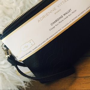 Adrienne Vittadini Charging Wristlet! Fits ALL 