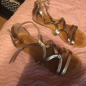 Famous Footwear Report gold sandals size 8.5