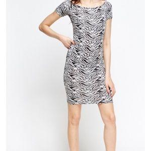 Dresses & Skirts - Zebra print bodycon dress thin material