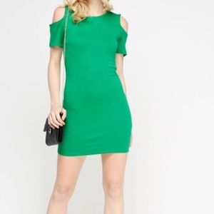 Dresses & Skirts - Cold shoulder green bodycon dress size small