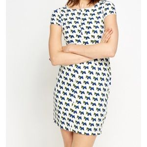 Dresses & Skirts - Geo print dress size small