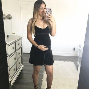 Dresses & Skirts - Velvet skater black dress